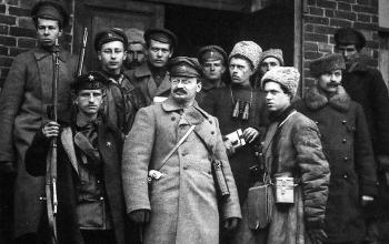 Л.Д.Троцкий: cледы «фельдмаршала» в Петербурге