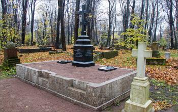 Мероприятие на кладбище Воскресенского Новодевичьего монастыря