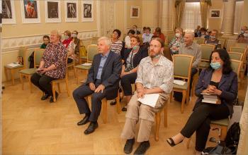Гости в Белом зале Центральной библиотеки им. М.Ю.Лермонтова